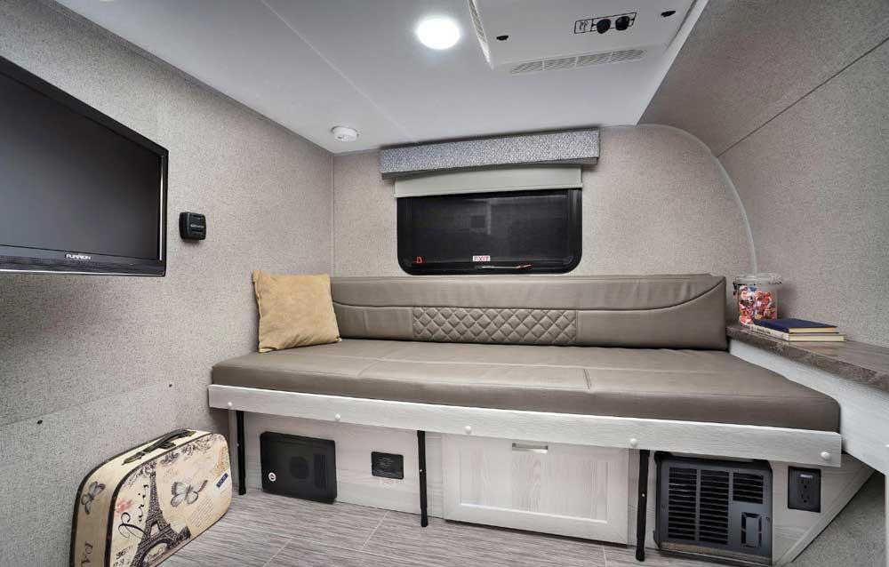 Rockwood Geo Pro G12SRK interior