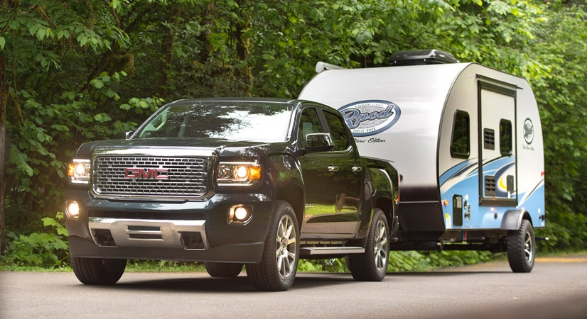With its 308-horsepower V-6 and tow rating of 7,000 pounds when properly equipped, the 2017 GMC Canyon Denali is a fine match for the RP-180.