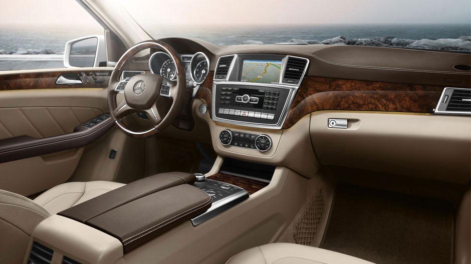2015-GL-CLASS-SUV-interiorW