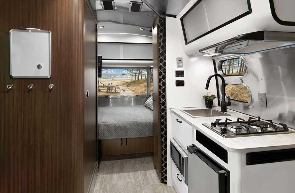 Airstream Caravel 20FB interior