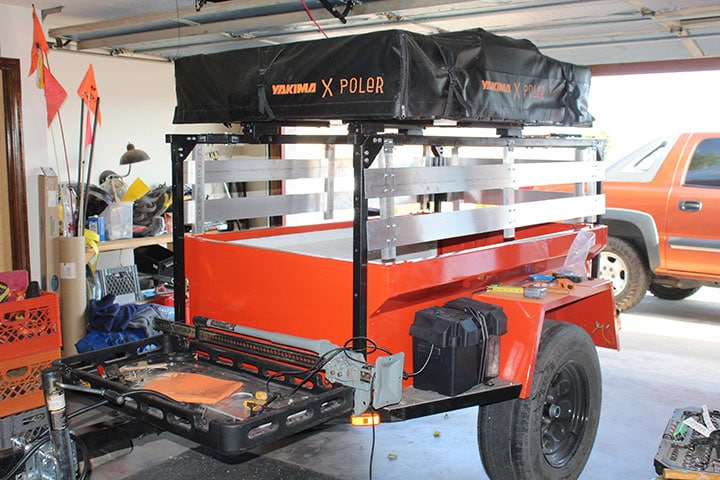Painted stake sides on Dinoot trailer
