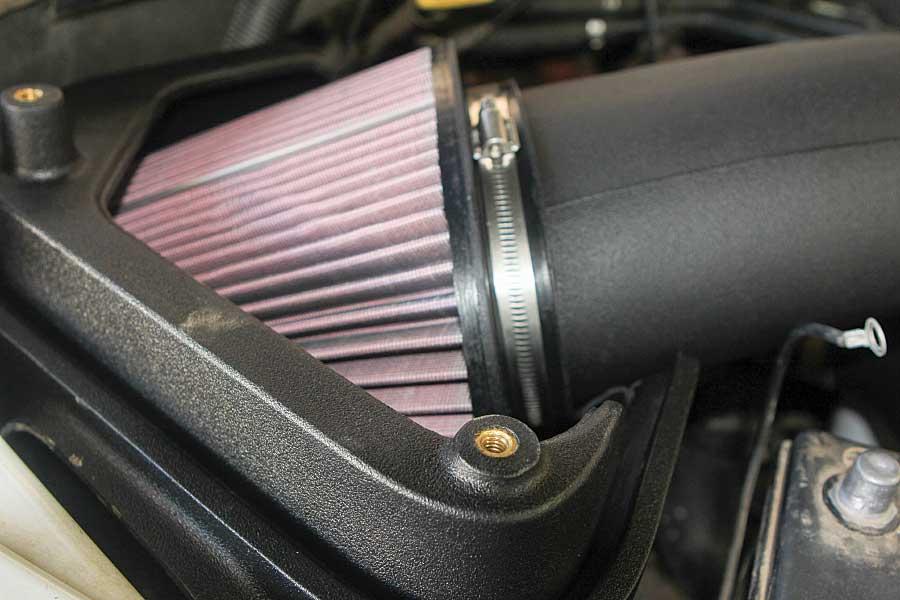 high-flow air filter of truck engine