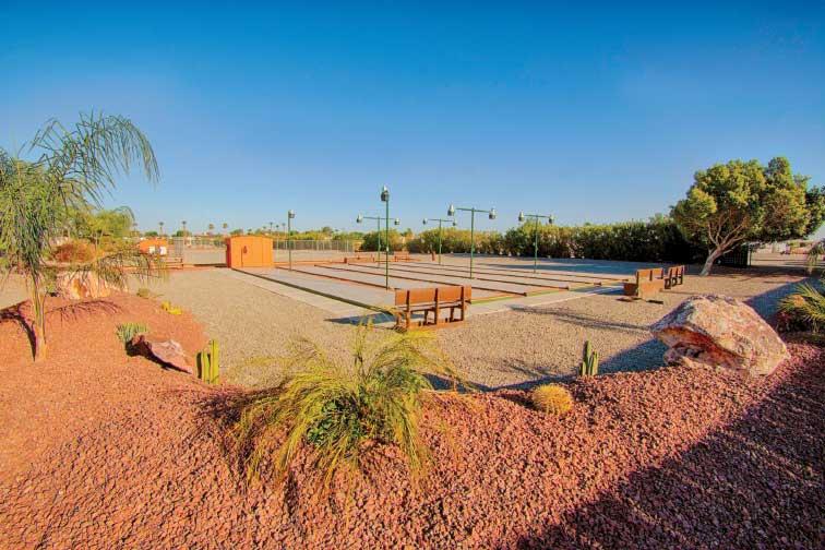 Outdoor facilities at Caravan Oasis RV Park