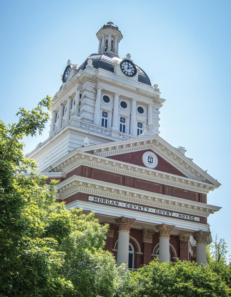 The majestic Morgan County Courthouse building presides over the charming town of Madison, home to Georgia's largest collection of antebellum homes.