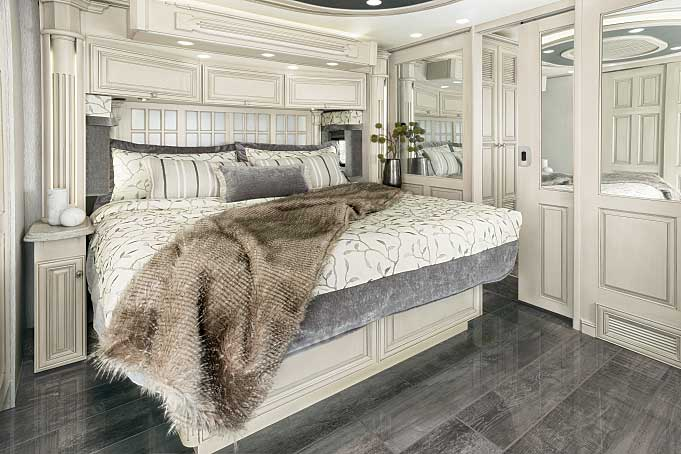 Newmar King Aire KGDB 4549 Class A motorhome bedroom