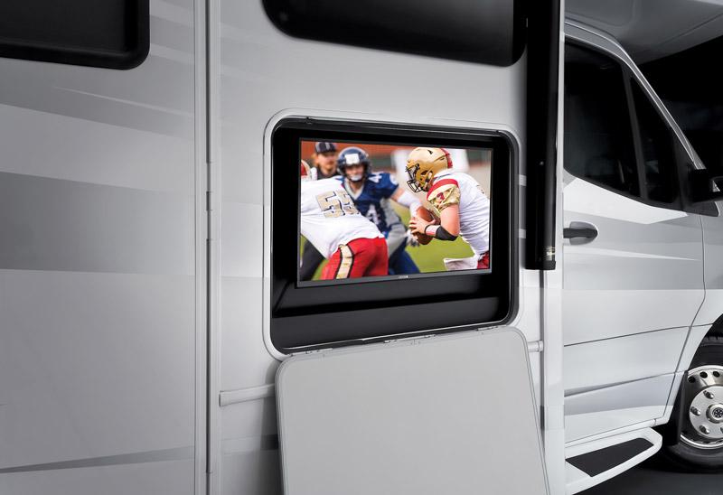 Forester 2401Q features an exterior 32-inch 12-volt TV