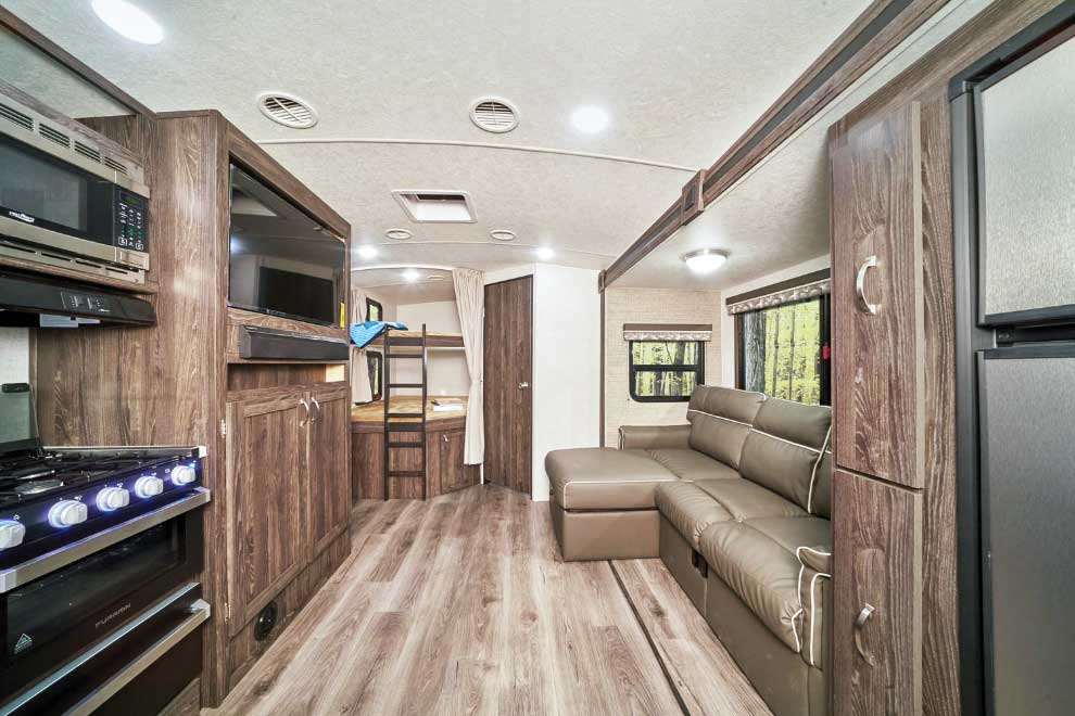 Highland Ridge Open Range Ultra Lite 2402BH interior
