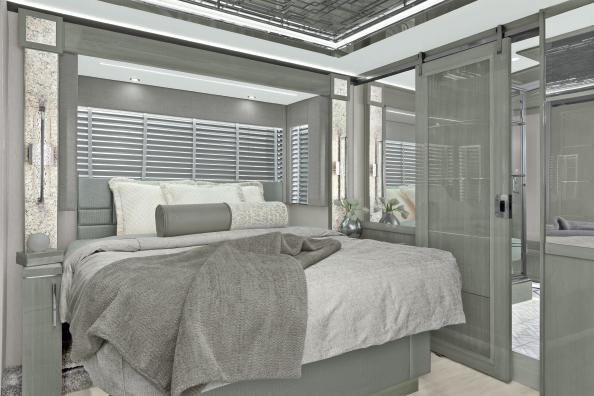 Newmar King Aire motorhome bedroom
