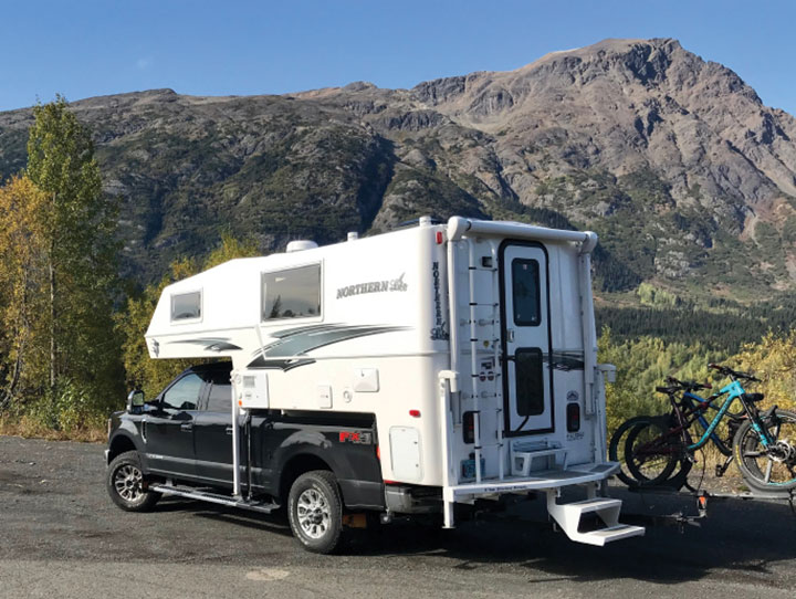 Northern Lite 8-11 EX Special Edition truck camper