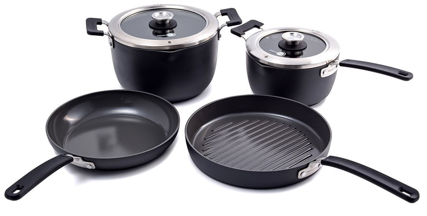 Two black pots and two frying pans