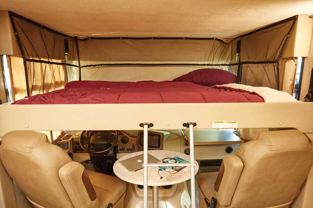 Thor Hurricane 35M interior, front bed