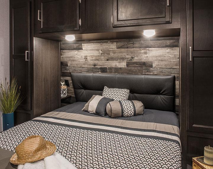 Venture RV SportTrek ST342VMB Bedroom with queen bed