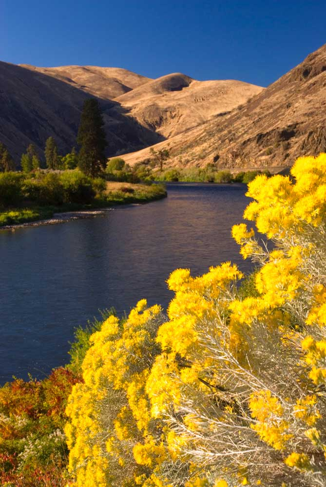 Yakima River, Yakima River Canyon Scenic and Recreational Highway