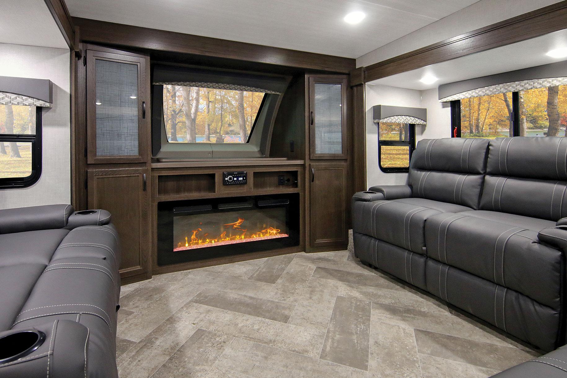 Winnebago Voyage V3436FL front living room