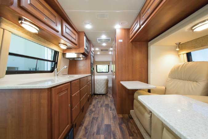 Coach House 272XL FR interior