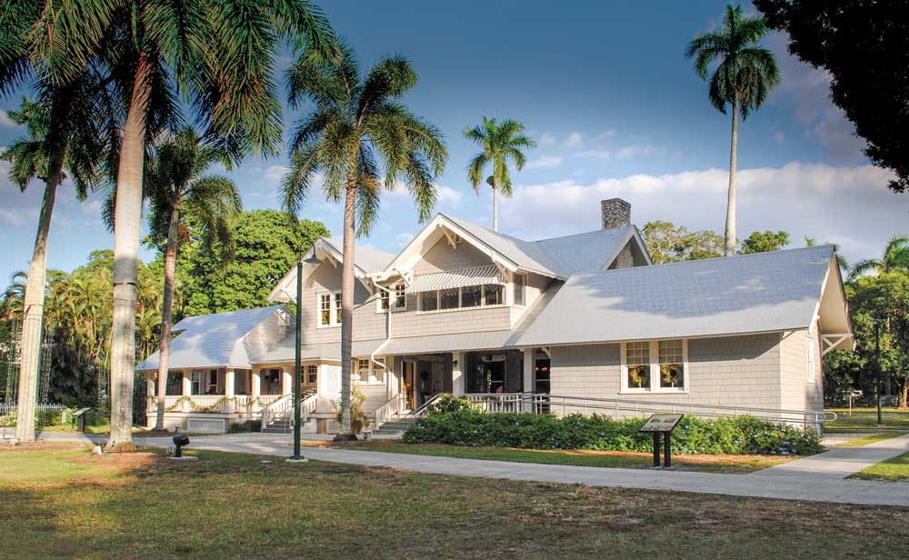 Henry Ford's winter estate, the Mangoes, and that of his equally famous neighbor, Thomas Edison (Seminole Lodge, pictured on the right), welcome more than 235,000 visitors annually.
