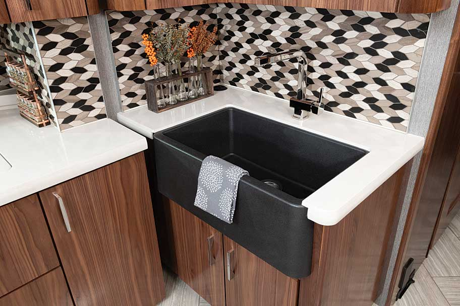 American Coach Eagle 45K bathroom