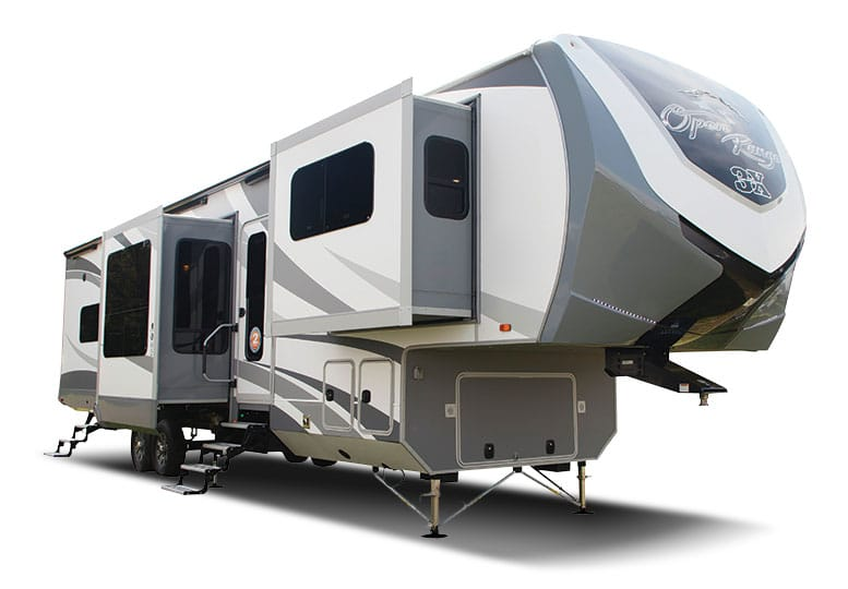 Nice fifth wheel RV with slideouts extended