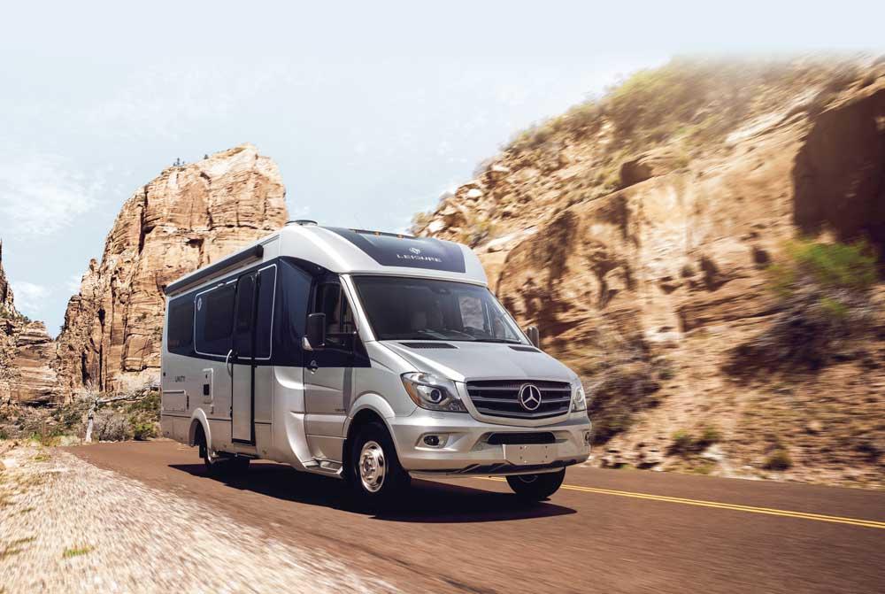 Leisure Travel Vans Unity Island Bed