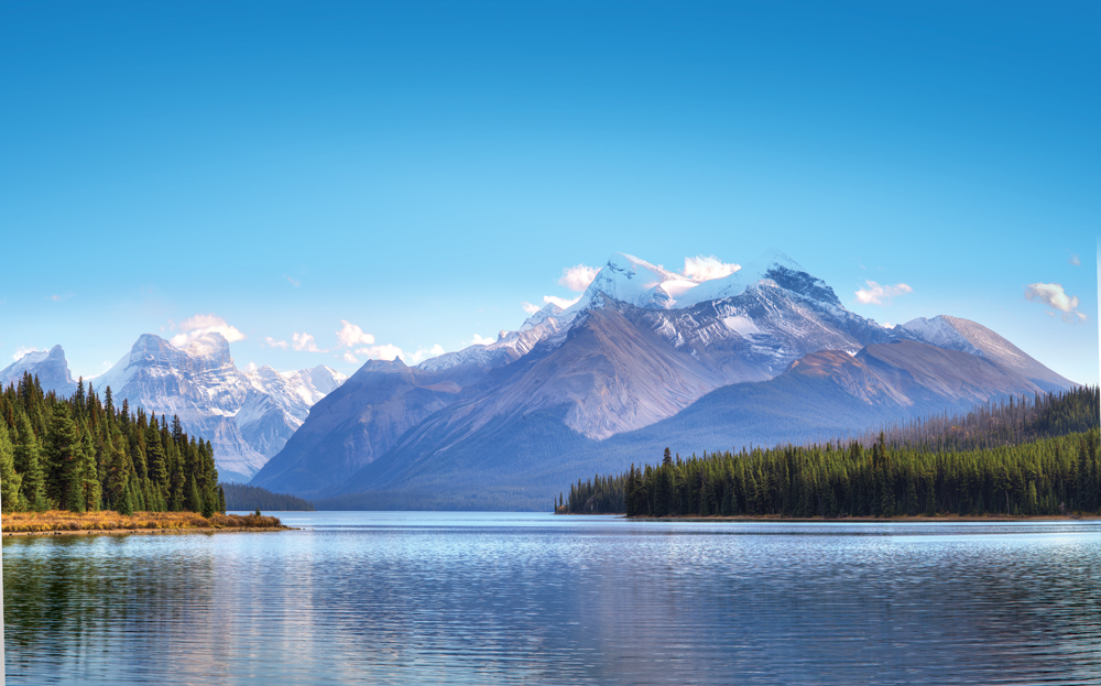 leads to glistening Maligne Lake, the largest natural lake in the Canadian Rockies.