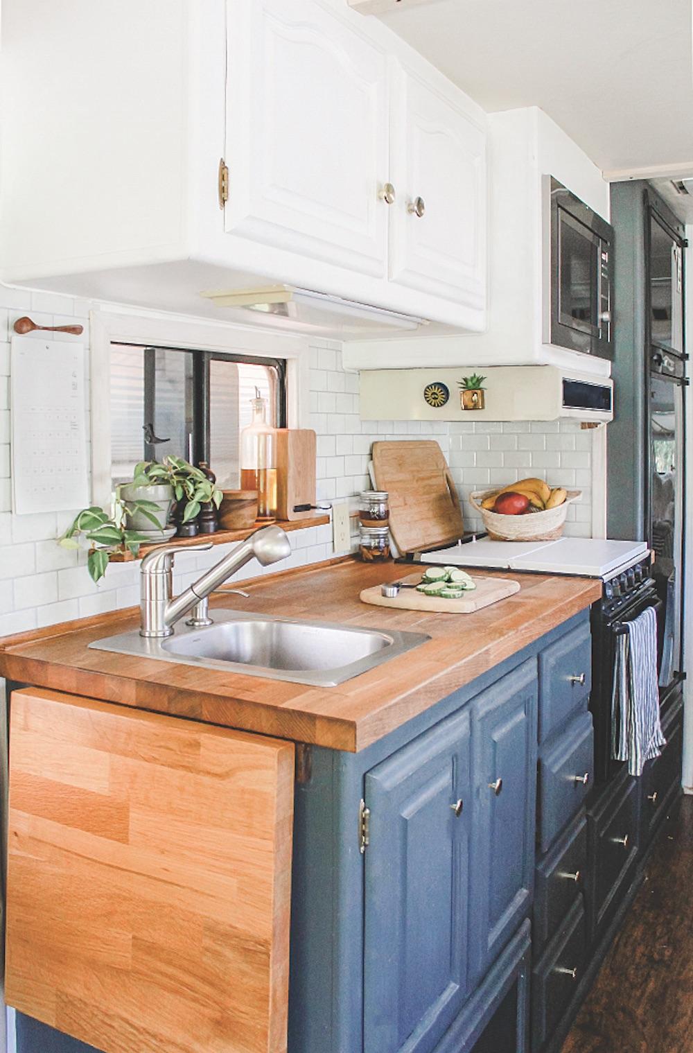 RV Kitchen with Peel and Stick Backsplash