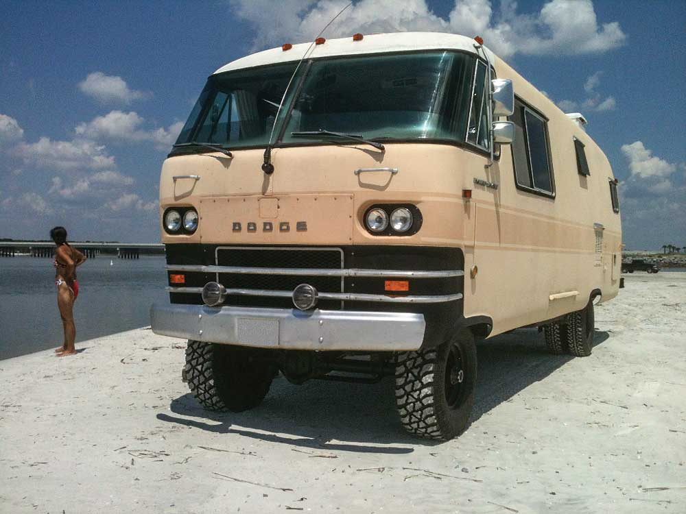 Richard Ratte transformed his 1968 Travco 27-footer into a four-wheel-drive beach machine.