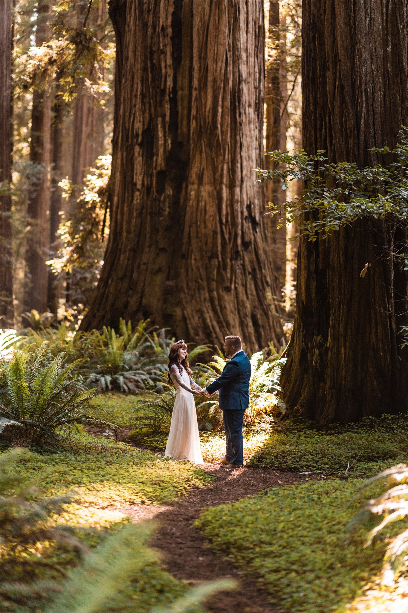 A Redwoods Coastal Elopement. Image: The Foxes Photography
