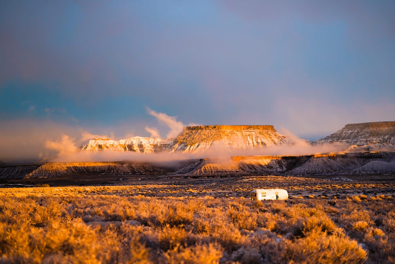 The Foxes Photography 72 Airstream on BLM land. Image: The Foxes Photography