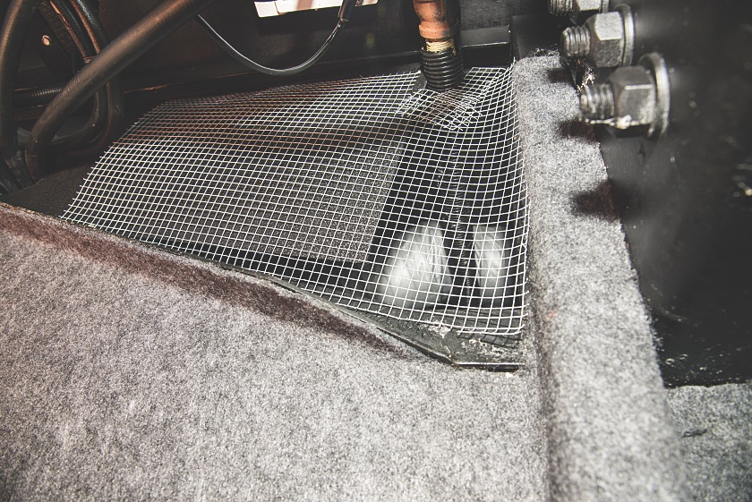 Mesh Cover Engine RV