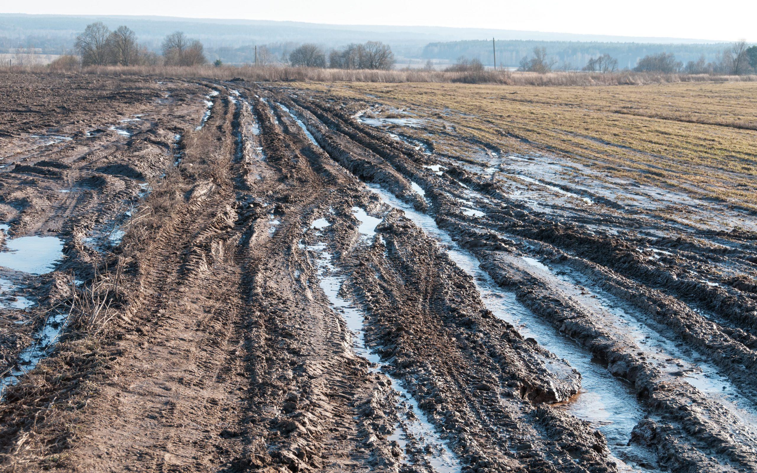 RV Stuck Muddy Road
