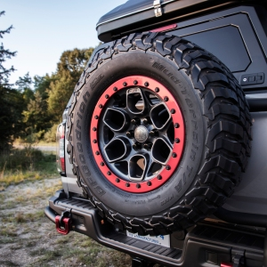 GMC Canyon AT4 OVRLANDX spare tire