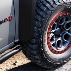 GMC Canyon AT4 OVRLANDX wheel and tire