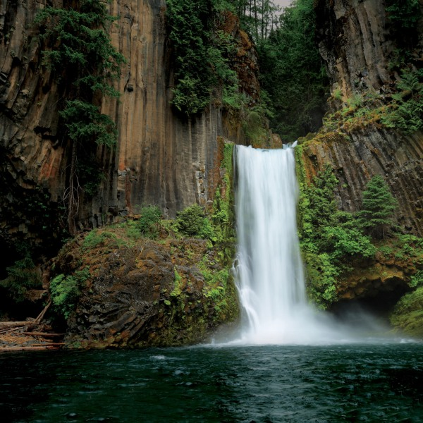 Toketee Falls, North Umpqua River, Oregon