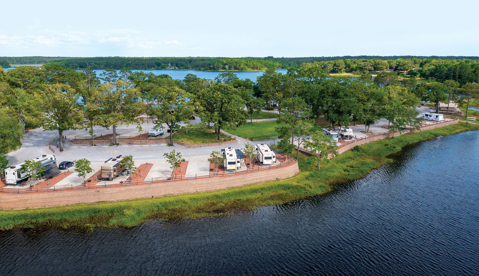 Twin Lakes Camp & Resort